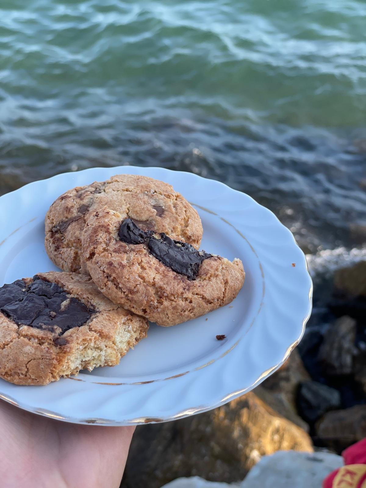 sunday muffins… indulgent chocolate chunkcookies